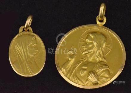 """Médaille """"Christ avec vierge couronnée"""" on y joint une Médaille Vierge (initiales SG) P. 6,5 g"""