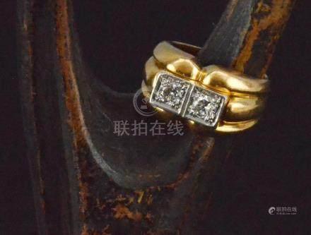 Bague en or jaune 1940 sertie de deux diamants PB. 21,7 g TDD. 53