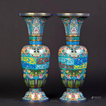 A PAIR OF CLOISONNE VASES, 19TH CENTURY
