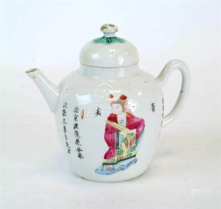 A Qing period Chinese export porcelain teapot and cover