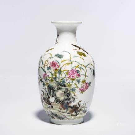 A Chinese Enamel Porcelain Vase