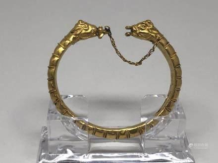 A GREEK GOLD 'LAMB HEAD' BRACELET, BC 800-146