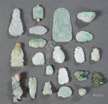 Group of Twenty-One Chinese Jade/Jadeite Carvings, 20th c.,