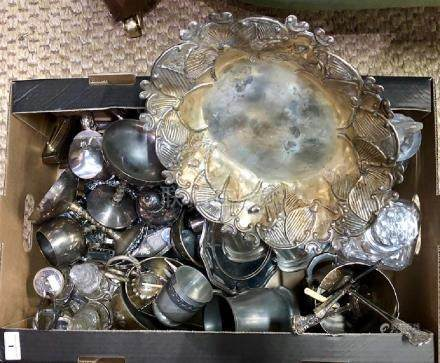 Quantity of electroplated table-ware