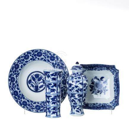 Set of 'blue china' in Vista Alegre porcelain