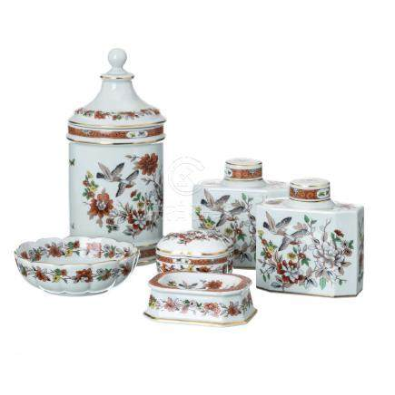 Set of pieces 'Magnolia' in Vista Alegre porcelain