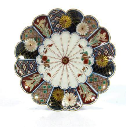 A Japanese Imari plate, Meiji, double scalloped rosette