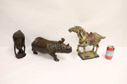 2 African wood carving & Chinese gilt wood horse