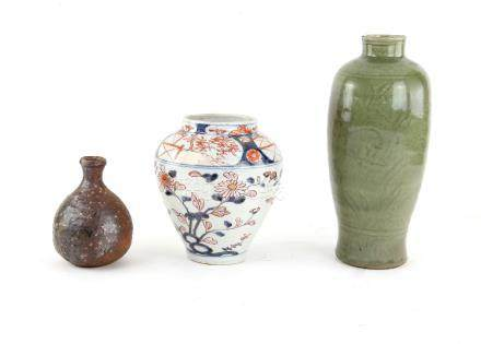A Bizen style tokkuri with oviform body, 13 cm high; together with a Japanese Imari vase decorated