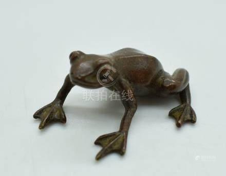Japanese bronze frog, 4.5cm long
