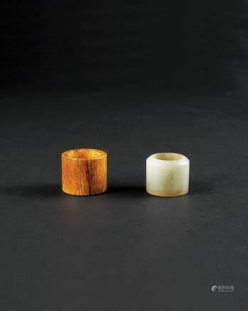 清 牙雕、白玉扳指(二件一组)