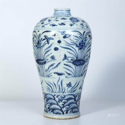 CHINESE PORCELAIN BLUE AND WHITE DUCK AND LOTUS MEIPING VASE