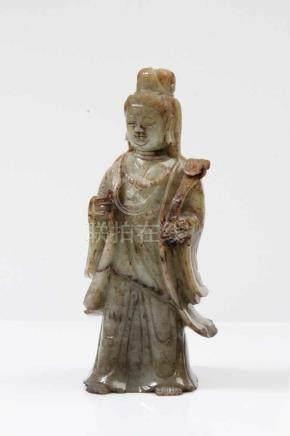 Jadefigur.China, 19. Jh. Weibliche Figur. H: 24,5 cm.