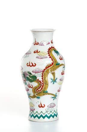 Chinese Wucai Baluster Vase