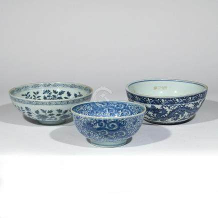 (3pc) CHINESE BLUE & WHITE PORCELAIN BOWLS