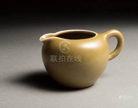 A XIAOFANG KILN TEA-DUST-GLAZED TEA VESSEL