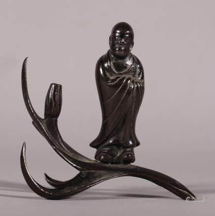 清代 达摩渡海铜香插