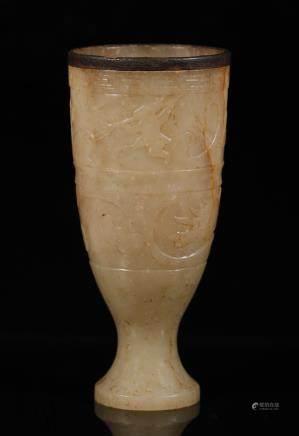 汉代 包铜口狩猎纹高脚杯