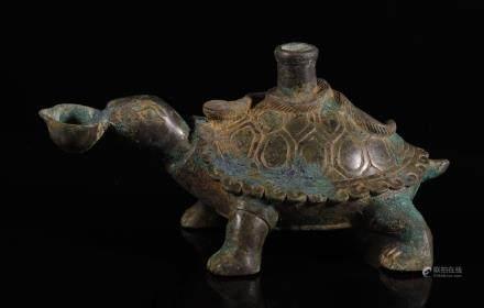 汉代 青铜玄武烛台