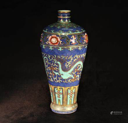 大清乾隆年制瓷瓶