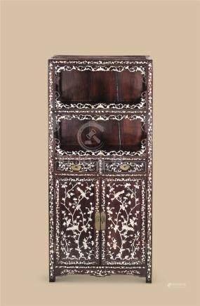 清代 红木嵌螺钿花鸟纹亮阁柜