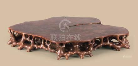 黄杨木雕随形台