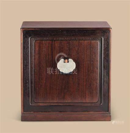 清代 红木嵌白玉雕童子纹如意形佩茶棚