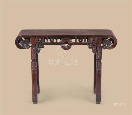 清代 红木玉璧纹下卷形供桌