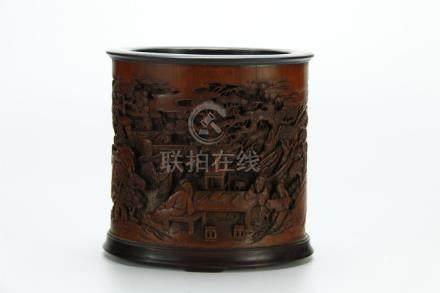 Superb deeply carved bamboo brush pot, 19/20th C.