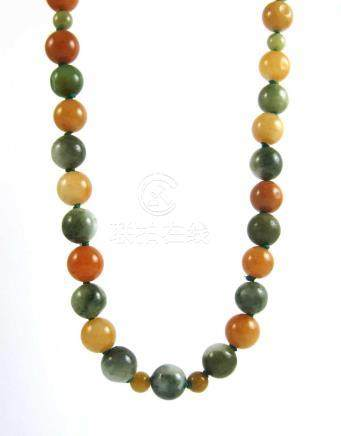 JADE AND STERLING SILVER BEAD NECKLACE, hand knott