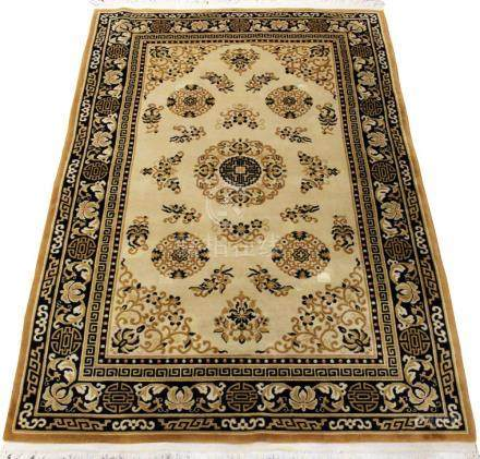 """CHINESE RUG W 6' L 9'2"""""""