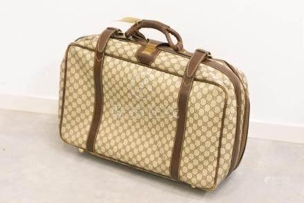 Valise souple Gucci en toile monogramme et cuir (usures, 60 x 40 x 12 cm)