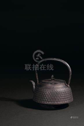 明治時期 鐵製松針紋提梁壺