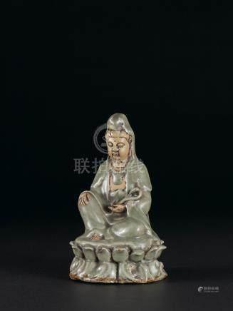 明 龍泉窯觀音坐像