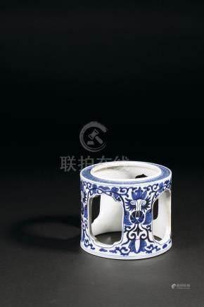 清康熙 青花纏枝花卉紋茶壺架