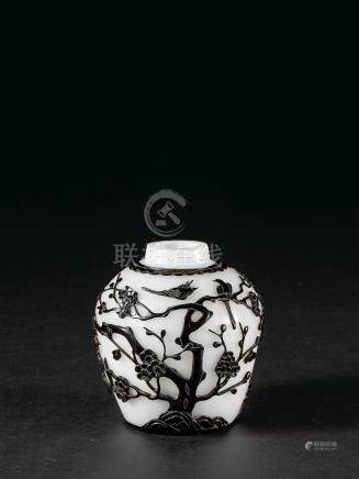 清乾隆 白套黑玻璃「喜上眉梢」茶倉