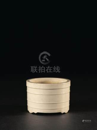 清初 白釉弦紋爐