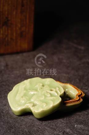 18th 青瓷畫龍香盒