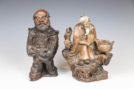 GROUP OF TWO SHIWAN PORCELAIN FIGURES