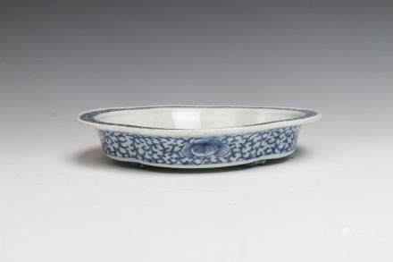 BLUE AND WHITE NARCISSUS BOWL, MID QING