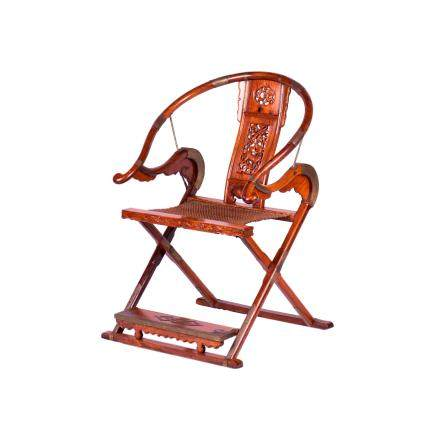 A BRASS-MOUNTED HUANGHUALI HORSE-SHOE BACK FOLDING CHAIR (Y)