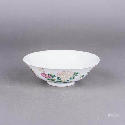 A WUCAI 'FLOWER AND BIRD' BOWL