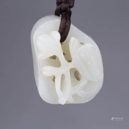 A WHITE JADE LOTUS ROOT PENDANT, MID-QING DYNASTY
