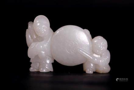 Chinese 18/19 C White Jade Boys & Drum Toggle