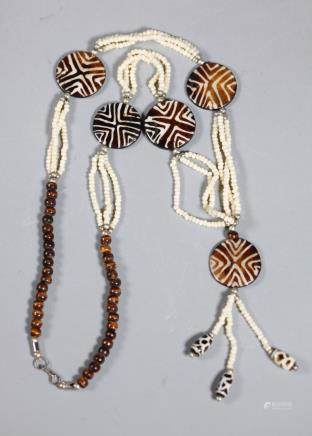 Dzi from Burma Necklace with 5 Rounds