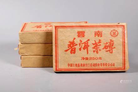 1000 Grams Chinese Pu-er (Pu-erh) Tea in 4 Bricks