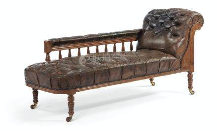 A LATE VICTORIAN WALNUT BUTTON-TUFTED LEATHER CHAISE LONGUE