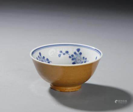 Chinese Persimmon-Glazed Blue and White Bowl
