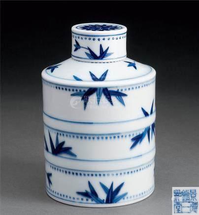 青花竹叶纹茶叶罐
