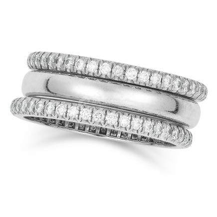 DIAMOND RING SET, TIFFANY in platinum, comprising of